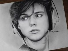 A stunning drawing of Ashton Irwin... I'm in love