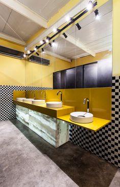 banheiro cinza amarelo - Pesquisa Google