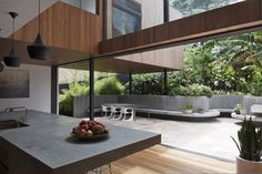 Australian architecture firm MCK Architects made a remake of a home, transposing it into contemporary architecture for our modern era. Indeed, the old house has b. Architecture Design, Australian Architecture, Architecture Awards, Contemporary Architecture, Interior And Exterior, Interior Design, House Plans, New Homes, House Design