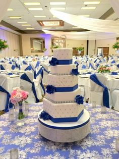 Hexagon wedding cake with blue accents