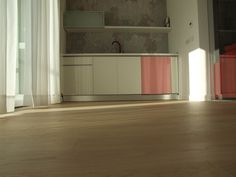 Mobilier bucatarie la comanda de cea mai buna calitatea si la preturi avantajoase. #mobilabucatarie Mai, Bathroom Lighting, Bathtub, Mirror, Furniture, Home Decor, Bathroom Light Fittings, Standing Bath, Bathroom Vanity Lighting