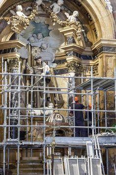 Los Trabajos De Restauración Y Conservación Del Retablo Mayor De La Iglesia  De San Antonio De