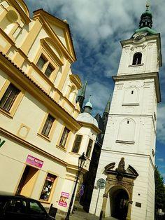 Město Klatovy | Krameriova, Bílá věž Czech Republic, Prague, San Francisco Ferry, Notre Dame, Building, Travel, Viajes, Buildings, Destinations