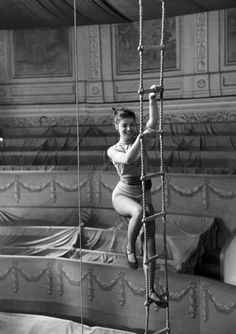 Could this be taken at French Lick Indiana - West Baden Hotel? Pier Angeli Photo by George Silk, 1952 - vintage circus. Vintage Circus Photos, Vintage Carnival, Vintage Photographs, Vintage Images, Old Circus, Night Circus, Circus Art, Circus Clown, Burlesque