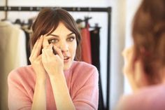 Brace Yourselves: Alexa Chung Made a Video Showing You How to Recreate Her Signature Cat Eye