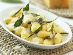 Gnocchi mit Salbei und Parmesan