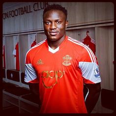 Southampton Football Club is delighted to announce the signing of Kenya captain Victor Wanyama on a four-year contract. Southampton Football, Southampton Fc, Football Players, Saints, Polo Ralph Lauren, Soccer, Kenya, Mens Tops, How To Make