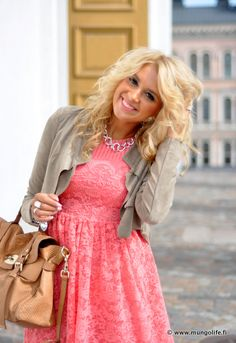 Coral lace dress and neutral accessories! I have a dress like this just need to find a cute sweater or jacket to go with it.