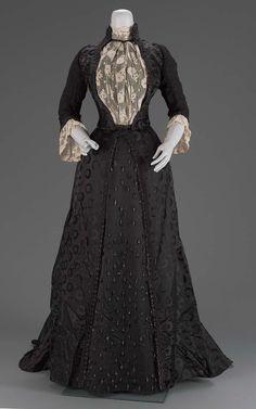 1889, France - Woman's dress by Emile Pingat - Silk satin damask, silk plain weave (chiffon), silk appliquéd lace, glass beads
