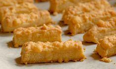 A legkirályabb sajtos rúd - Vágott Vegyes Croissant, Cornbread, Rum, Bakery, Menu, Cheese, Snacks, Ethnic Recipes, Food