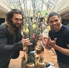Pin for Later: Le Compte Instagram de Jason Momoa Est une Véritable Mine D'or