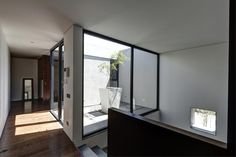 08-Elias-Rizo-Oval-House.jpg (1000×666)
