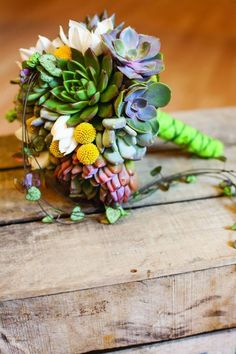 I didn't have succulents at my wedding ... *tear* ;)