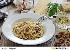 Špagety s ořechy, šunkou a bazalkou Spaghetti, Ethnic Recipes, Food, Instagram, Basil, Essen, Meals, Yemek, Noodle