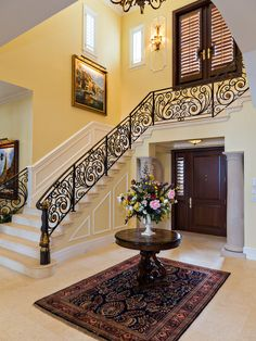 Luxurious Classic Mansion in its Vernacular Style : Gorgeous Hall Decor With Traditional Staircase Georgian Manor