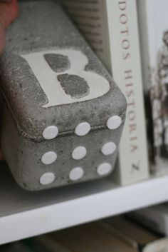 Maybe one day I will get brave enough to craft with concrete...so many cool ideas!