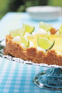 My favourite recipe for a perfect Key Lime Pie. Kinds Of Desserts, Vegan Desserts, My Favorite Food, Favorite Recipes, Key Lime Pie, Sweet Pie, Wine Recipes, Good Food, Fun Food