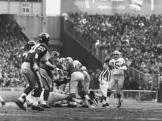 size: Premium Photographic Print: Ny Giants in Dark Jerseys, in a Football Game Against the Green Bay Packers at Yankee Stadium by John Loengard : Artists Nfl Championships, Championship Game, New York Giants Football, Nfl Football, Baseball, Football Pictures, Sports Photos, Bart Starr, Nfl History
