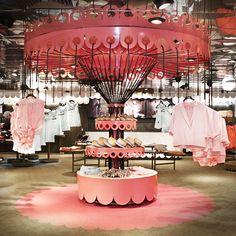 Swedish retail concept 'Monki' #decoração #design #sala #room #arquitetura #architecture