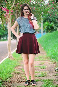 Meninices da Vida: Look: Saia, blusa e sandália.