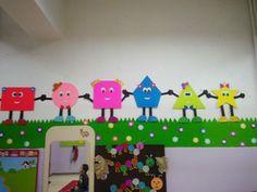 Preschool Forms Bulletin Board Ideas for Kids 3 Preschool Classroom Decor, Classroom Wall Decor, Preschool Bulletin, Preschool Shapes, Preschool Decorations, Kids Crafts, Preschool Activities, Board Decoration, Bulletin Board
