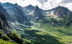 Prezrite si galériu fotografií drevenej ľudovej architektúry, ktorej medzinárodnú hodnotu ocenilo aj UNESCO. Our Planet, Wander, Mount Everest, Natural Beauty, Planets, Mountains, World, Nature, Travel