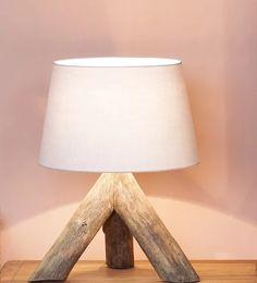 Designová lampa Hitra trojnožka   ratan-praha