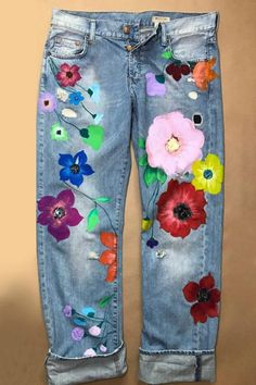 Nähideen Vintage Casual Floral Pocket Jeans – shopingnova A Look At Bodybuilding As A Sport Competit Floral Print Pants, Floral Jeans, Print Denim, Painted Jeans, Painted Clothes, Denim Vintage, Hippie Stil, Looks Jeans, Estilo Denim