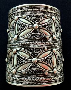 Africa | Contemporary Berber design cuff from North Africa | Sterling silver.