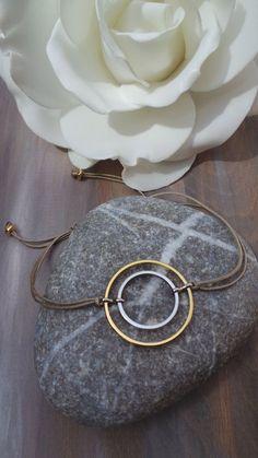 Karma bracelet. Circle bracelet. Infinity circle bracelet. Minimalist bracelet. Geometric jewellery. Minimalist jewellery.