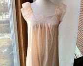 46 BUST Vintage 1960s Peaches and Cream long night gown with robe Large xl size 11 12 13 14 15 16 17 18 19 20. $42.11, via Etsy.