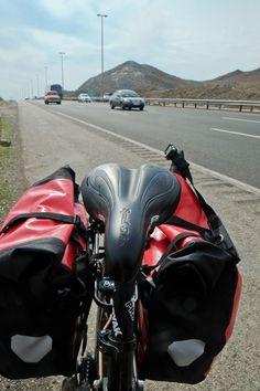 Ale Piękny Świat - blog Doroty Chojnowskiej o podróżowaniu: Iran - Test siodełka Speed She WTB