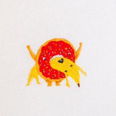 Epic Battle 5: Doughnut vs Banana (Split) Embroidery - by Maricormaricar