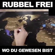 weihnachten familie For all globetrotters - The world map to rub off - Diy Gifts Videos, Diy Videos, Diy Gifts For Girls, Diy Art, Diy Gifts For Christmas, Christmas Candle, Christmas Holiday, Diy Crafts To Do, Wood Crafts