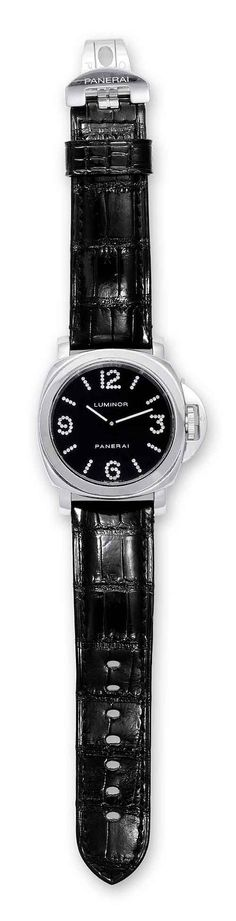 The #panerai Luminor with diamond-set hour markers; both the Arabic numerals as well as the stick markers are diamond-studded. #luxurywatch #watchtime #wristporn