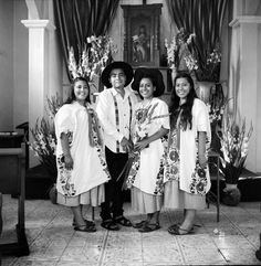The photographer Citlali Fabián documented the culture that persists and sustains in her hometown Yalálag, Mexico, and beyond, through its residents and its diaspora. Oaxaca City, Valley College, Religious Ceremony, Bull Riding, Body Adornment, Mexico City, Ny Times, Mexican, Daughter
