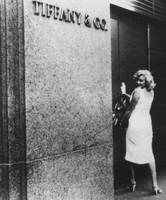 Diamonds ARE a Girl's Best Friend. Marilyn Monroe at Tiffany - New York, 1957