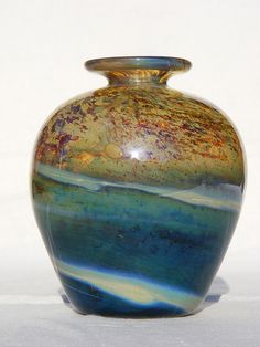 Gold 'Aurene' Isle of Wight Studio glass vase