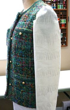 How To Construct The Classic Chanel Cardigan Jacket by Kathryn Brenne via EmmaOneSock <u>выкройка</u> Sewing Tutorials. Fabulous article and tutorial for people who love to sew.