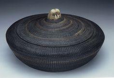 A very large Inupiat, baleen basket by Joshua Sakeagak Diameter: American Indian Art, Native American Art, American Indians, Weaving Art, Hand Weaving, Pine Needle Baskets, Woven Baskets, Native American Baskets, Indian Baskets