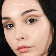 Brown bronze smokey eyeshadow Augen Make-up . Glam Makeup, Makeup Inspo, Makeup Inspiration, Mod Makeup, Makeup Style, Make Up Looks, Make Up For Work, Eyeliner Tutorial, Maquillage Audrey Hepburn