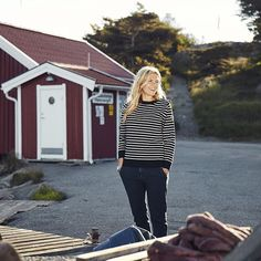 TGIF #SS16 #Spring #Summer #Holebrook #Holebrooksweden #Movie #Resö #Bohuslän #Sweden #Knitting #knit #fashion #swedishknitwear #ladies #mens #Coastal #design #cotton #trend #svensktmode #kustliv #stickat #tröjor #dam #herr