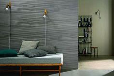 Die Farbpalette orientiert sich an den natürlichen Betonfarben, um die Merkmale dieses Baumaterials optimal zur Geltung zu bringen. Die Reliefs und Dekore runden das Konzept stimmig ab und sind für Bad, Küche und Wohnzimmer geeignet.