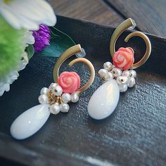 E1 Coral & white pearl mix earring