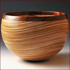 John Beaver, Wavy Plywood Bowl, 2013. Plywood and walnut. Courtesy Del Mano Gallery.