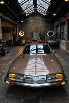Citroen SM - love it. Citroen Ds, Psa Peugeot Citroen, Retro Cars, Vintage Cars, Touring, Toyota, Car In The World, Dream Garage, Amazing Cars