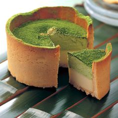Maccha fondue is a tart of green tea cream and creme brulee