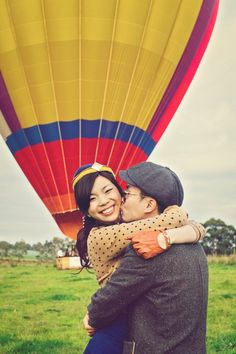 Hot air balloon engagement shoot. Photography by finessence.com.au