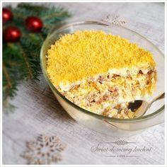 100 g masła, 100 g żółtego sera (w kawałku), 5 jaj, puszka tuńczyk w sosie własnym, 200 g majonezu, 1 cebula. Ta sałatka ...