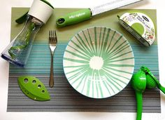 Someone's ready to be a green machine this summer. #HealthyEats #KitchenTools #Chefn PC IG: @miseenplacekitchenstore